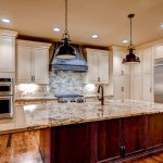 Celebrity-Custom-Homes-kitchens-1