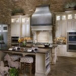 Celebrity-Custom-Homes-kitchens-e